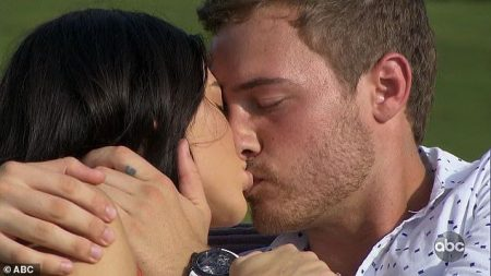Peter and Sydney kiss