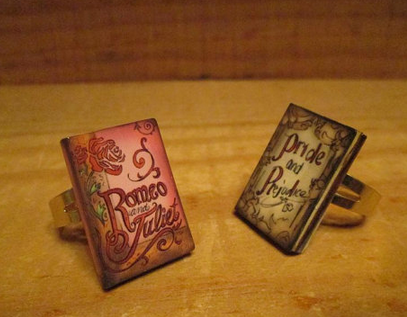 Rings of books with Romeo and Juliet or Pride and Prejudice